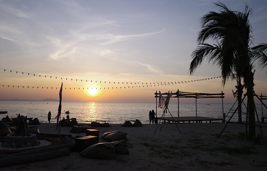 วิวพระอาทิตย์ตกริมทะเล