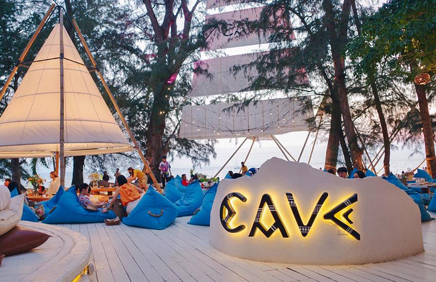 Cave beach club บีชคลับสไตล์บาหลี อีกหนึ่งแลนด์มาร์คพัทยา ร้านบรรยากาศดีริมทะเล ติดหาดจอมเทียน