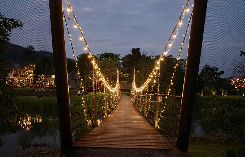 มุมสะพานตอนกลางคืน